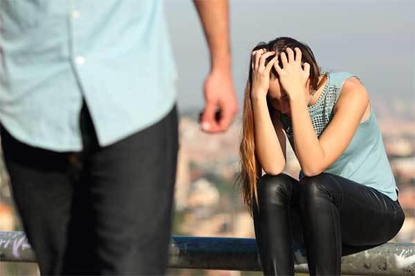 Что происходит после первого расставания и как его пережить?