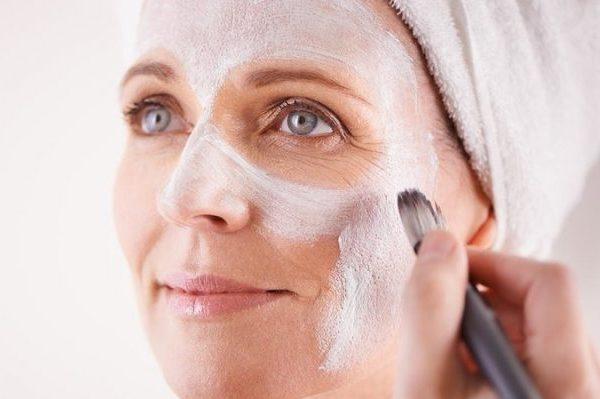 Как приостановить процесс старения кожи после 50 лет?