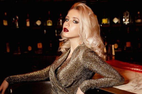 15 красивых дочерей звезд шоу-бизнеса