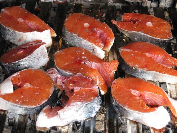 Какую нежирную рыбу можно есть на диете?