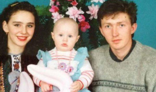 Кем была Анастасия Костенко до замужества с Тарасовым?
