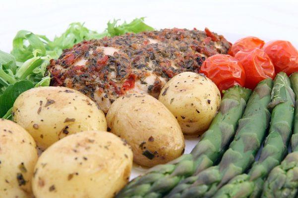 Правильная диета при повышенном холестерине у женщин после 50 лет