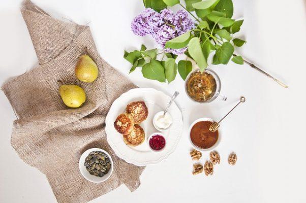 Как приготовить диетические сырники, вкусные и низкокалорийные рецепты для худеющих
