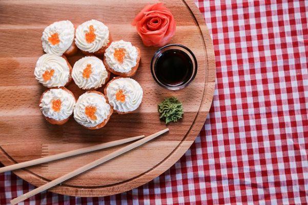 Можно ли есть роллы и суши на диете, их калорийность и польза при снижении веса