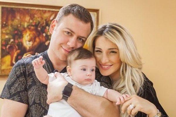 Каковы причины развода семьи Блюменкранц после рождения дочери?
