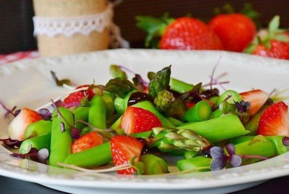 Правильная диета для больного кишечника, особенности питания в период обострения и примерное меню