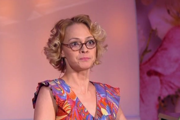 "Какова причина ухода из ""Comedy Woman"" Мадам Полины?"