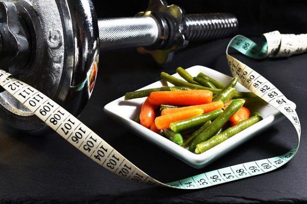 Правильная диета при заболеваниях щитовидной железы, что можно и нельзя есть женщинам?
