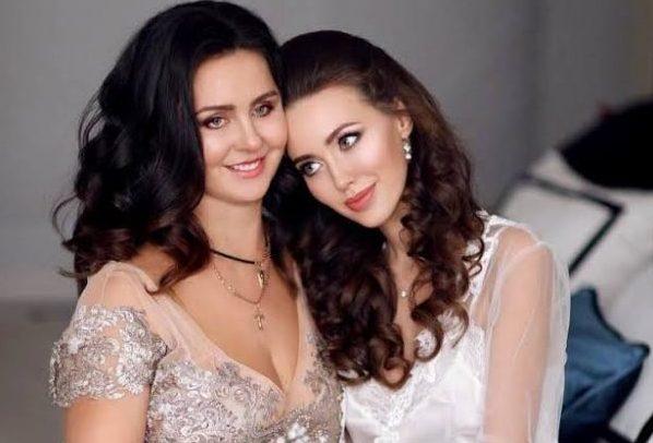 Как относятся к Тарасову родители Анастасии Костенко?