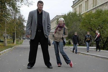 """Кто жена у Гены из сериала """"Универ?"""""""