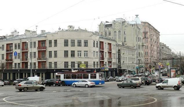В каких жилых комплексах Москвы живут знаменитости?