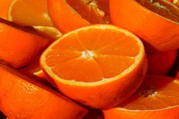 Можно ли есть апельсины при похудении, польза сока для снижения веса