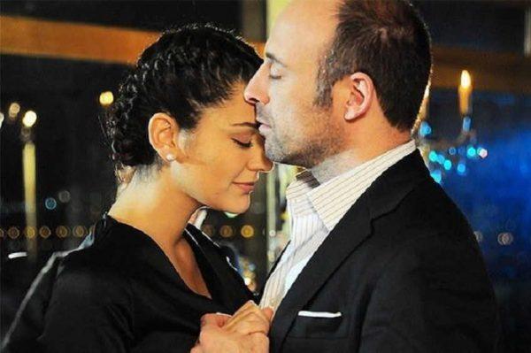 Как выглядит жена актера Султана Сулеймана в реальной жизни?