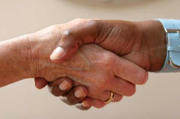 Как понять язык тела и жестов человека, особенности психологии