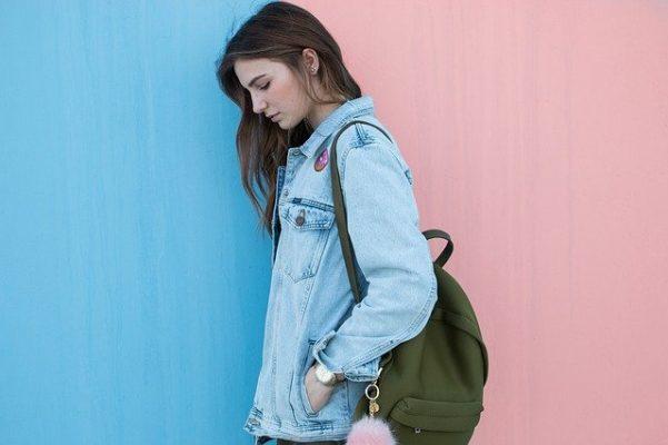 Особенности выбора определенных цветов в одежде с точки зрения психологии