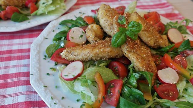 Как приготовить салат с куриной грудкой, диетические рецепты для похудения