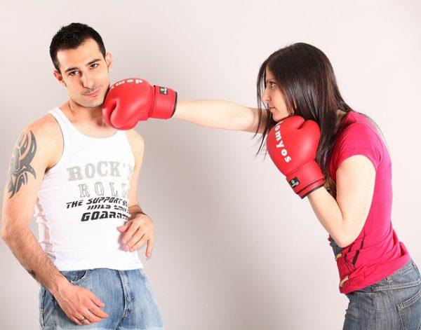 Что такое психологическое насилие, виды и способы негативного воздействия в семье