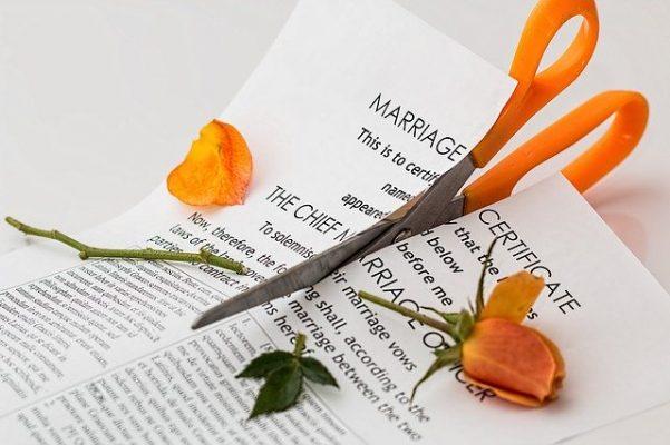 Причины, почему муж бьет жену, что говорит психология и как решить проблему?