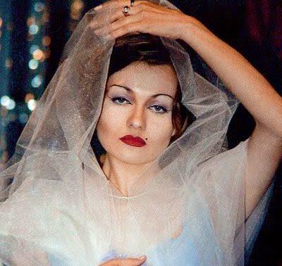"""Как выглядит жена Цветочка из """"Новых русских бабок""""?"""