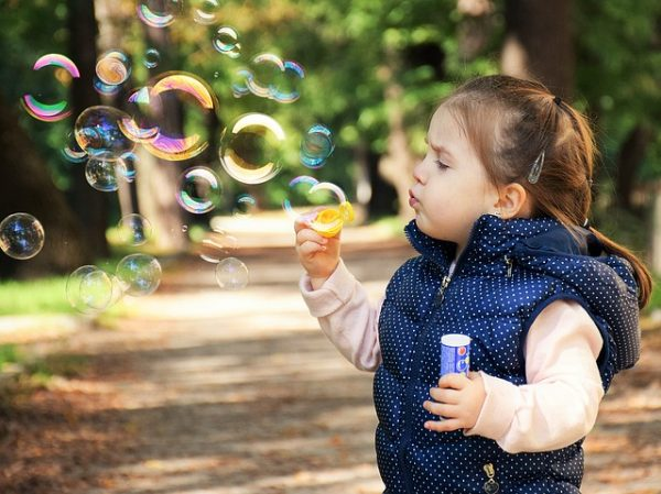 Особенности психологии ребенка 2–3 года, советы по правильному воспитанию