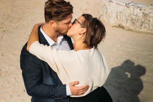 Какие существуют признаки влюбленности у мужчин, советы по психологии