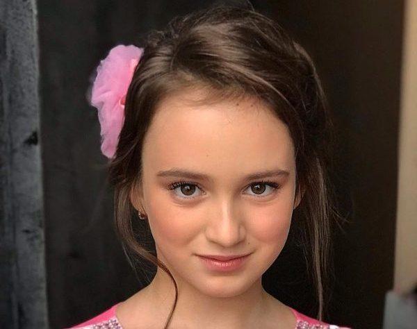 Как выглядит подросшая дочь Кати Лель?