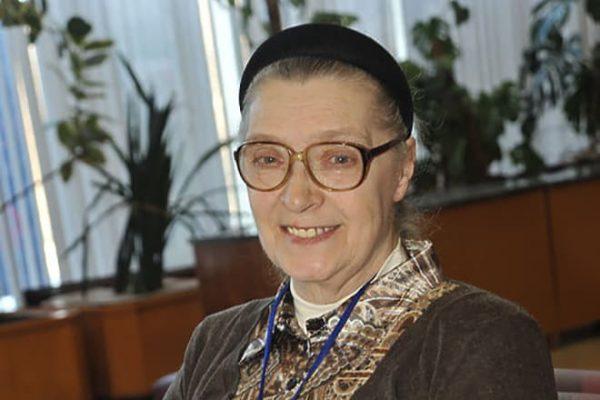 Как живет 81-летняя жена Владимира Высоцкого?