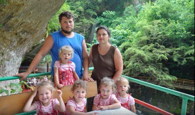 Пятерняшки Артамкины спустя 13 лет – как сложилась жизнь семьи?