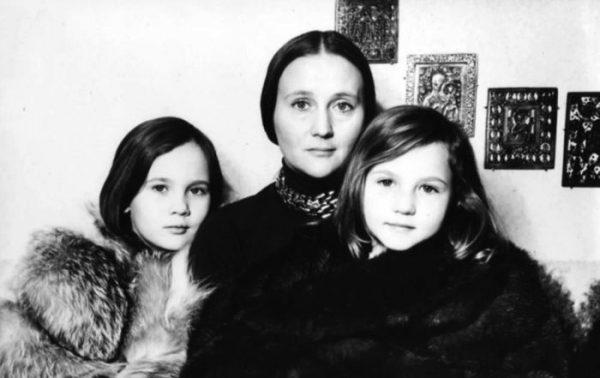 Как сложилась жизнь дочери Микаэлы Дроздовской, которую воспитала Алла Будницкая