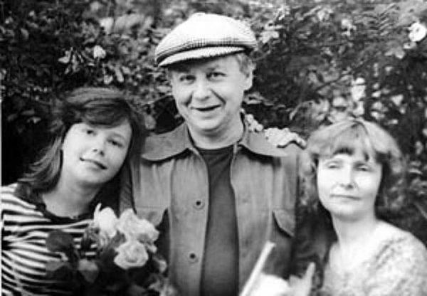 Как сейчас живет первая жена Олега Табакова, не простившая ему уход к Зудиной