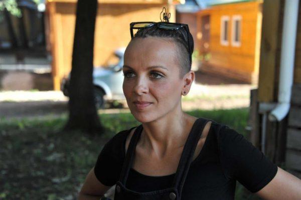 Как живет и чем занимается солистка группы «Маша и Медведи» — Маша Макарова?