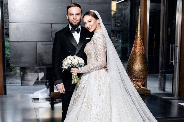 """Что известно о муже певицы """"Asti"""" Анны Дзюбы?"""