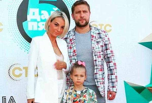 С кем вместе счастлива Дарья Сагалова?