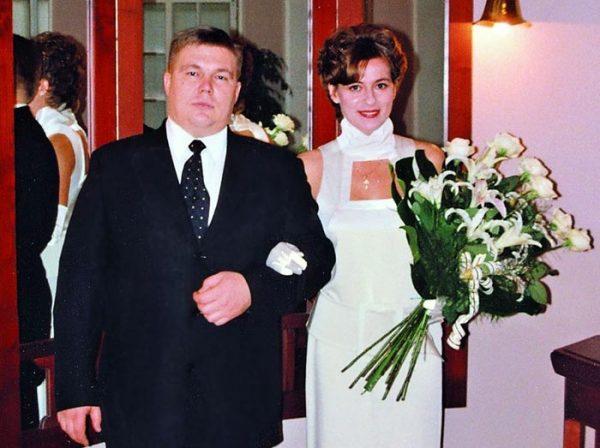 "Кто мужья у актрис ""Жуки"" на ТНТ?"