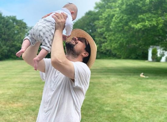 Звездные мужчины, бросившие жен с младенцами на руках